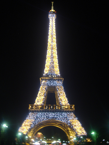 eiffel-tower-lights