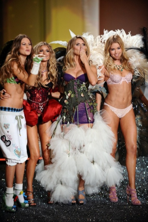 Sneak Peek: Victoria's Secret Fashion Show 2009