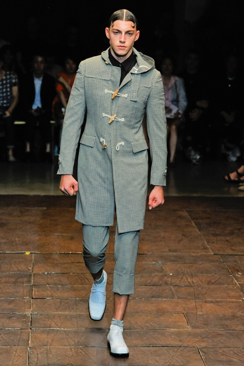 Paris Fashion Week | COMME des GARCONS Spring/Summer 2012